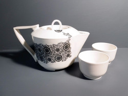 Teapot-and-Tea-Bowls-Lace-Decal