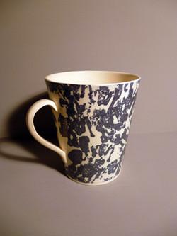 Large-Mug-in-Blue Slip Sponged