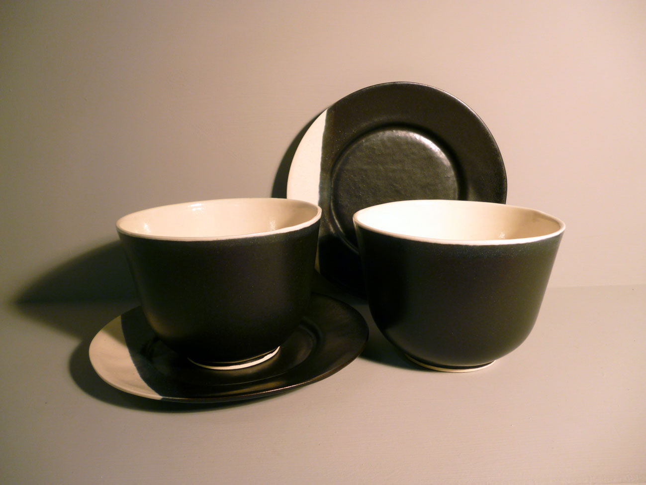 2-x-Bell-Bowl-and-Plate-Set in Graphite-Black