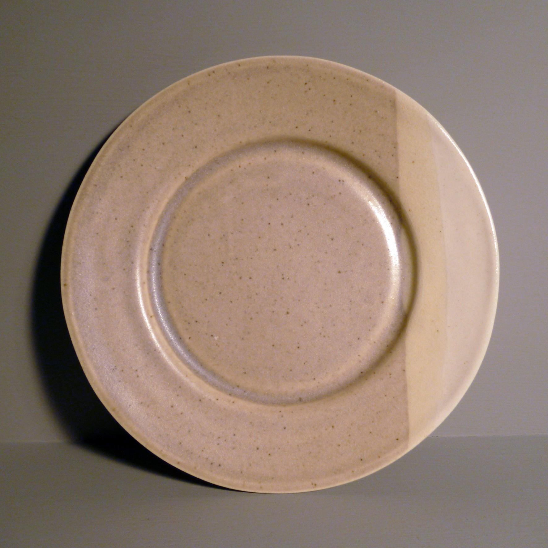 Small-Bell-Plate-in-Ochre