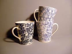 Large-Mugs-in-Blue Slip Sponged, Dark and Pale