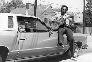 Archie Edwards on car.jpg