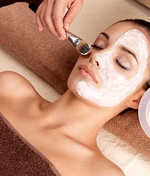 Dames gelaatsverzording art of life massage ontharinging make up manicure pedicure