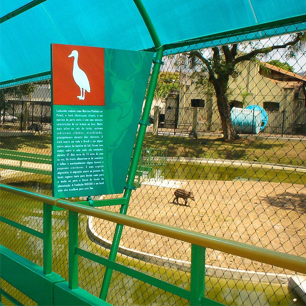 Placa informativa da Passarela da Fauna