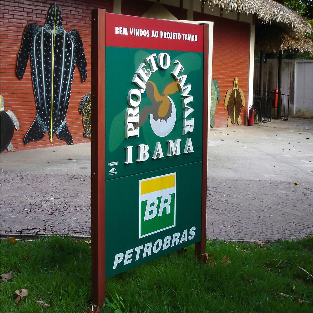 Totem de sinalização - IBAMA Projeto Tamar da Passarela da Fauna