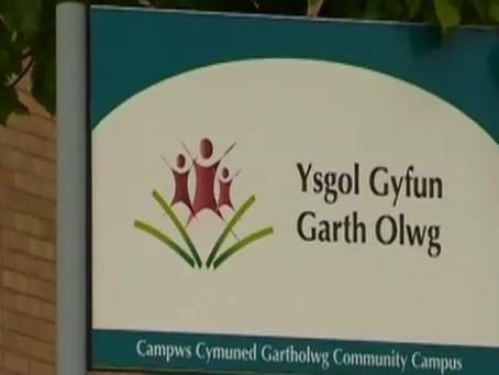 CRUCIAL CREW - Ysgol Gyfun Garth Olwg COMPREHENSIVE SCHOOL