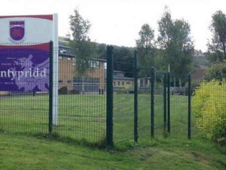 CRUCIAL CREW - PONTYPRIDD COMPREHENSIVE SCHOOL
