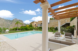 Patio front pool