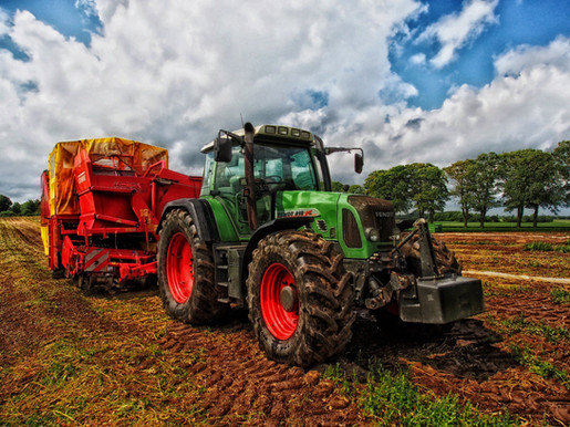 tractor-grain-mixer-rural-denmark-53622.