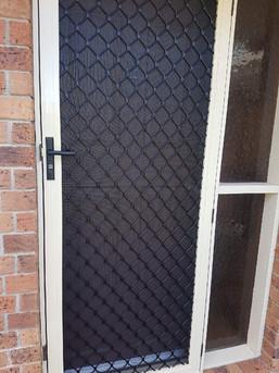 7mm Diamond Grille Hinge Door
