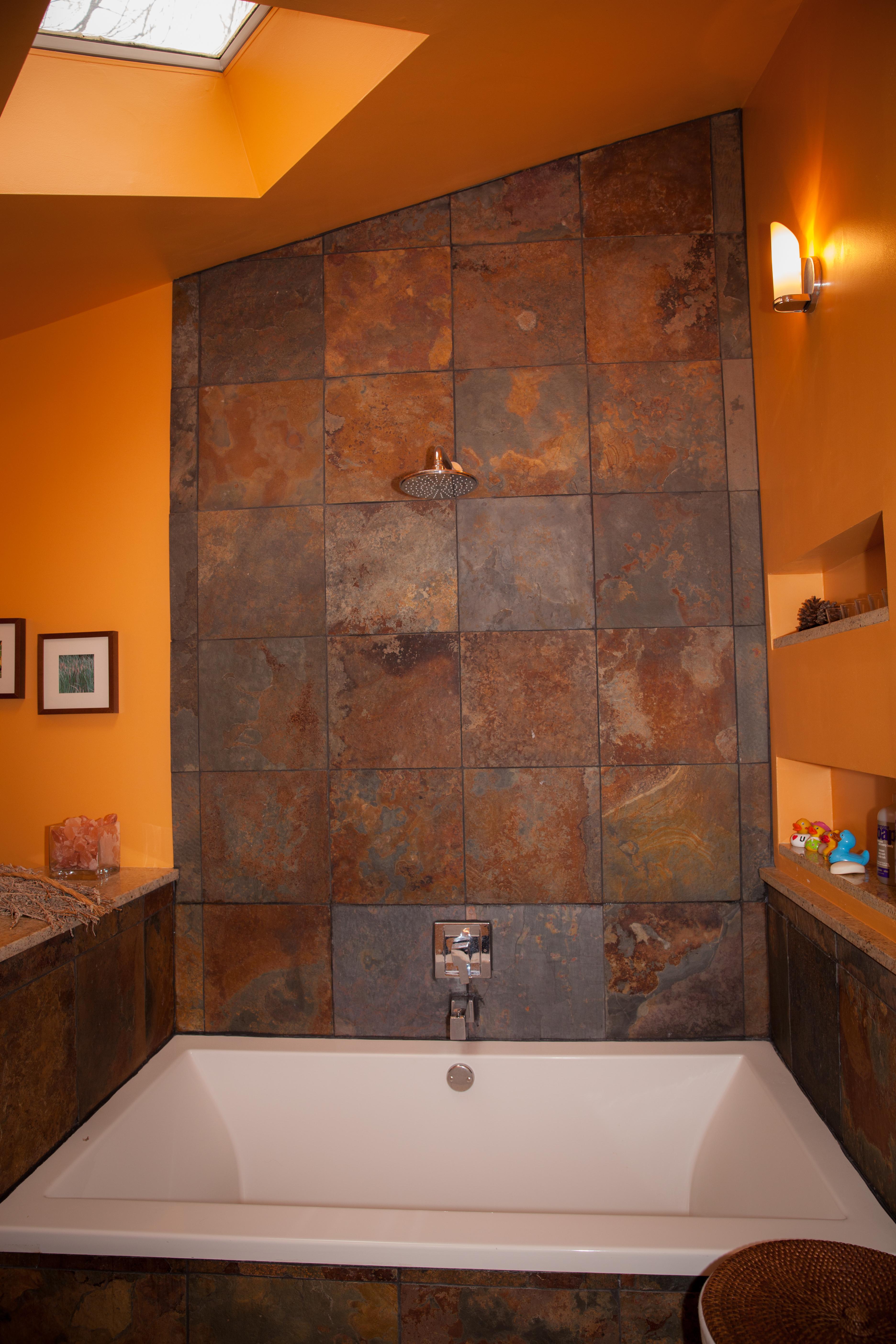 Custom Tub & Tile Wall
