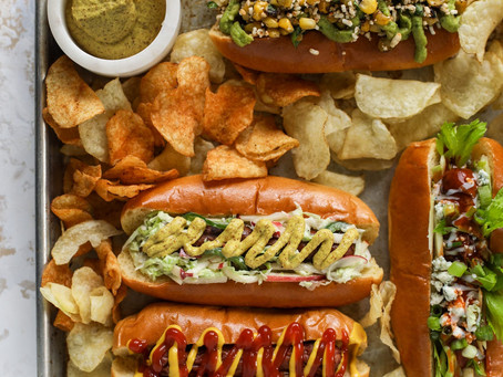 Make a Hot Dog Bar For Memorial Day Celebrations!