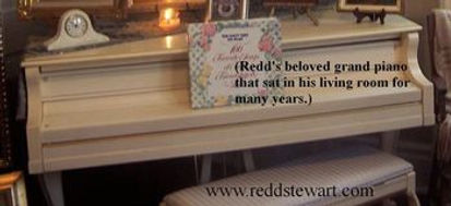 redds-beloved-grand-piano-that-was-a-gif