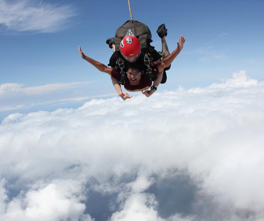 Skydiving in O'ahu, Hawai'i