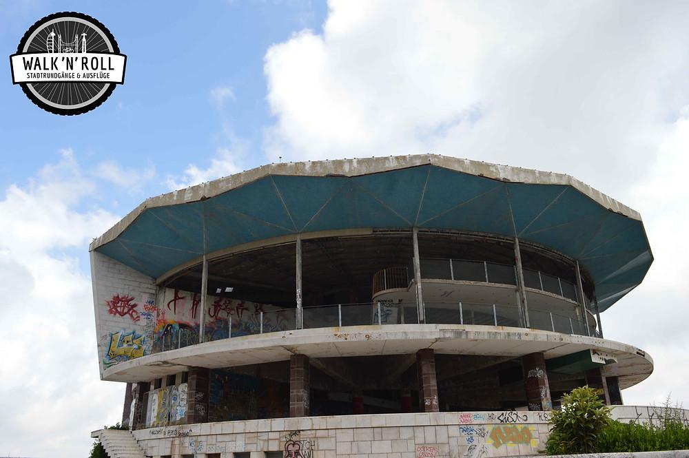 Verlassenes Panorama-Restaurant in Lissabon