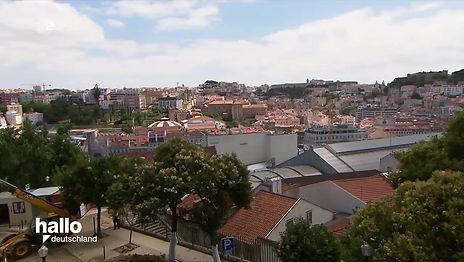 Fernsehbeitrag über Auswanderin Melina Eibs in Lissabon und ihre Stadtführungen in Lissabon mit WALK 'N' ROLL