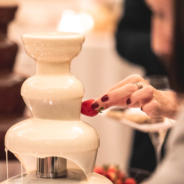 Dessert Buffet - fontana di cioccolato (ph. Michele dell'Utri)