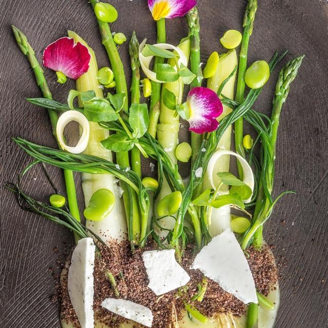 La primavera...erbe, fiori, germogli, cr