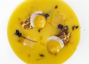 Oro nell'Oro: Crema allo Zafferano, Mela Candita, Crumble e Tuorlo d'Uovo. Chef Morelli.