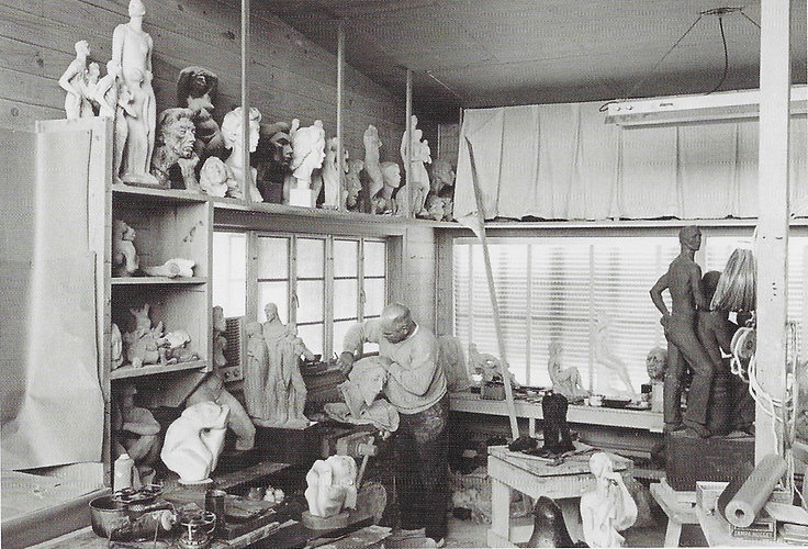 Umlauf-in-studio-Hans-Beacham.jpg
