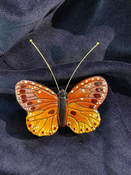 Round wings in orange