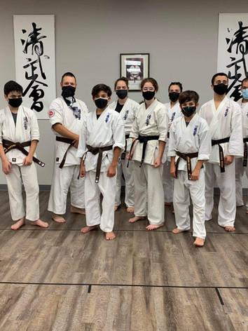 Karaté St-Jean. karatestjean.com. Équipe. Karaté .jpeg