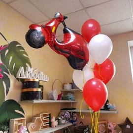 Фигура из фольгированного шарика в виде мотоцикла
