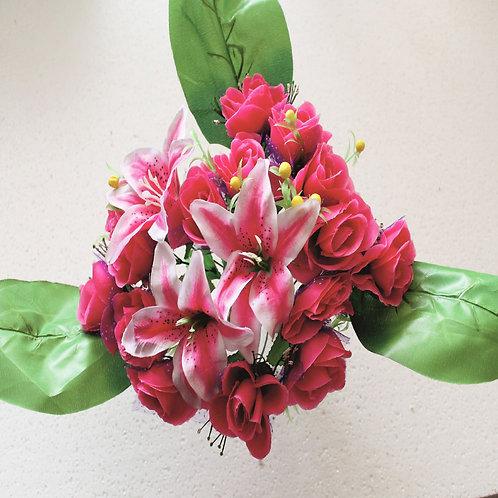 Розы с лилиями