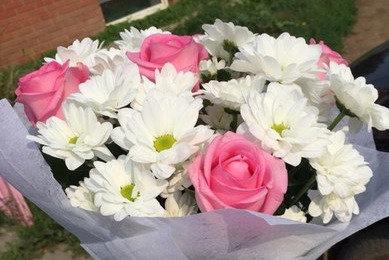 Хризантемы с розой