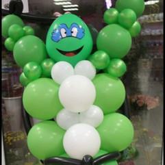 Черепашка ниндзя из воздушных шаров изготовленная на заказ