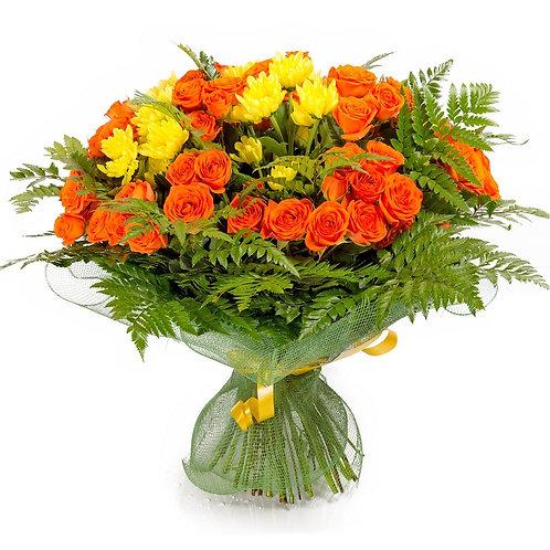 15 кустовых роз с зеленью