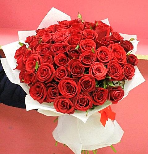 49 роз в упаковке