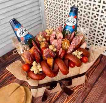 Мужской подарок с колбасами