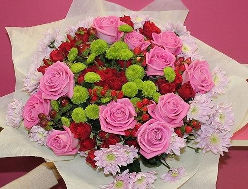 Букет роз яркий