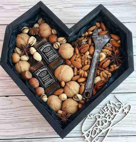 Мужской подарок ореховый