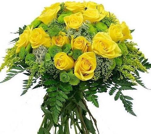 19 желтых роз с зеленью