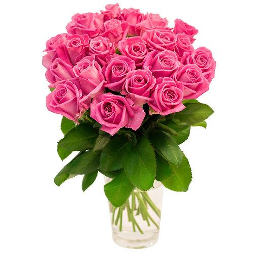 25 розовых роз в вазе
