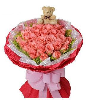 29 розовых роз с мишкой