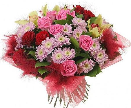 Букет роз с перьями