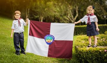 Aventureiros com bandeira AVT.jpg