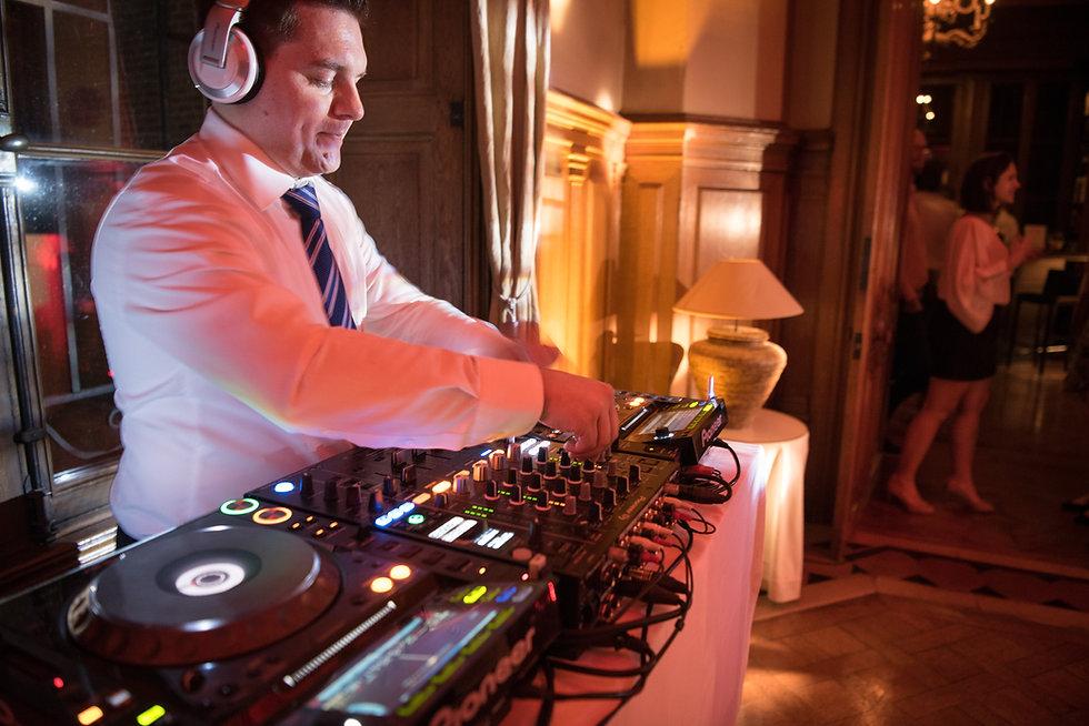 DJ Luzern | Hochzeits DJ Dubi