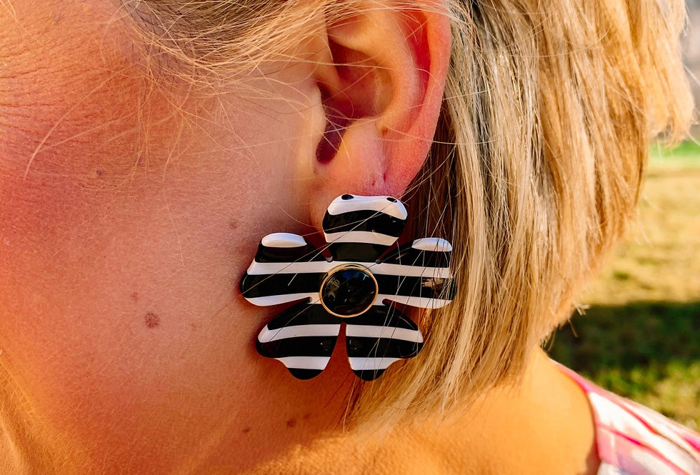 THEY CALL ME KATE- black + white stripe flower earring