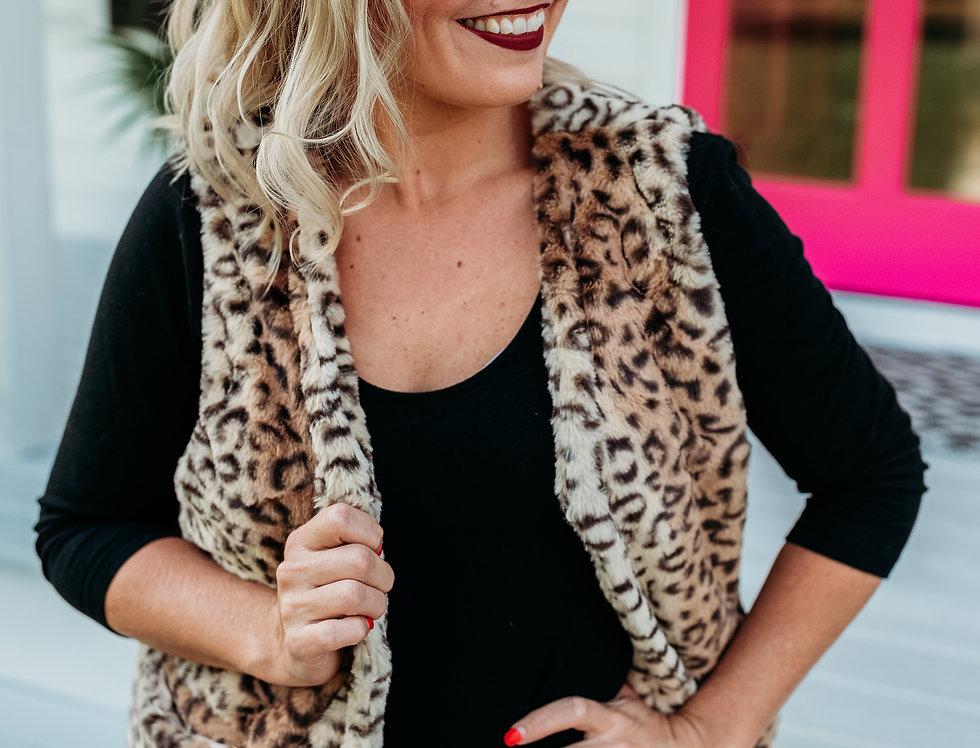 VEST IS BEST - cheetah faux fur vest