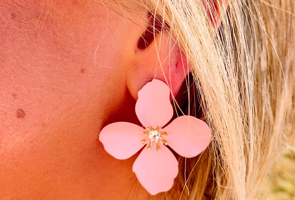 READY FOR SPRING- baby pink flower earrings