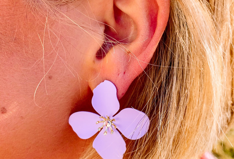 READY FOR SPRING- lilac flower earrings