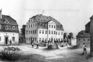 Herrenhaus und Teile von flankierenden Gebäuden