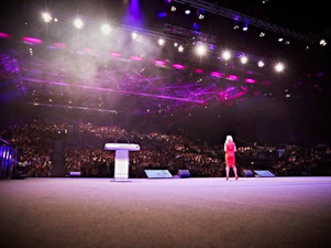Sharron Lowe is Guest Speaker at Forever Living #SuccessDay