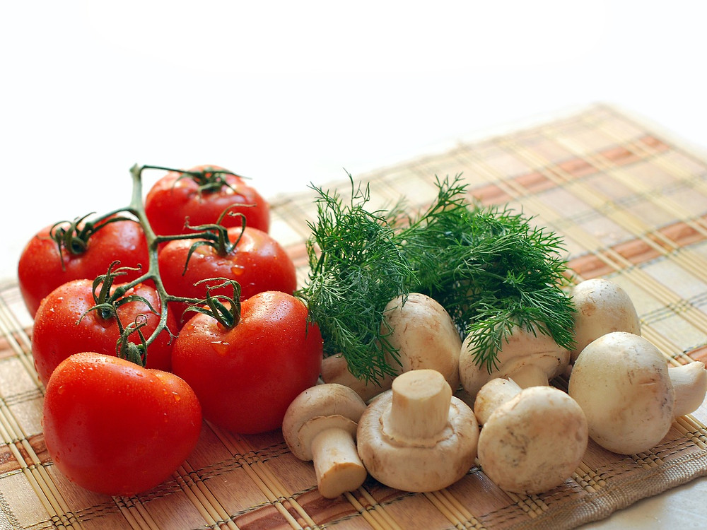 Tomatoes, dill, and mushrooms