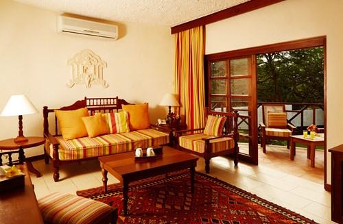 Village-Master Suite 1 - sitting area