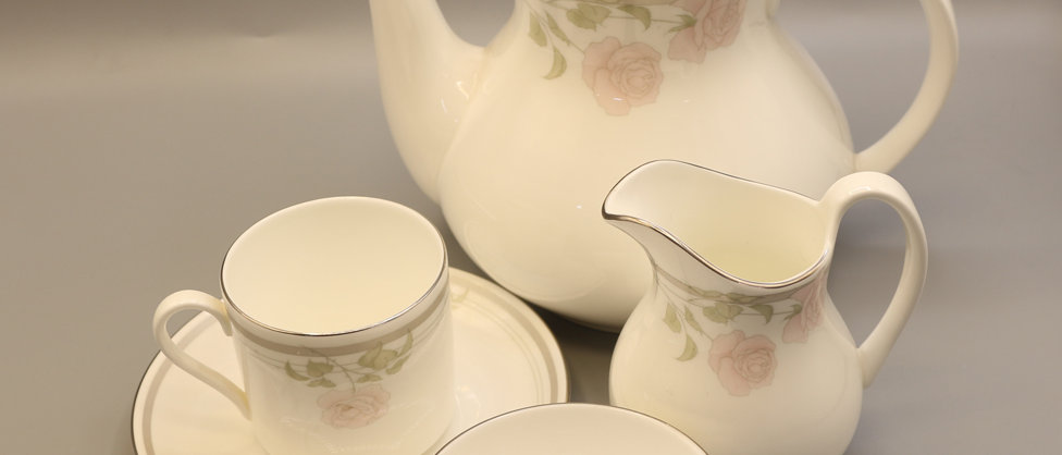 Royal Doulton Twilight Rose H5096 Tea Bundle
